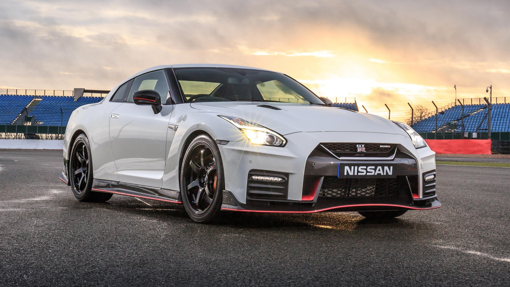 2017 Nissan Gt R Nismo Vs 660hp Tuned