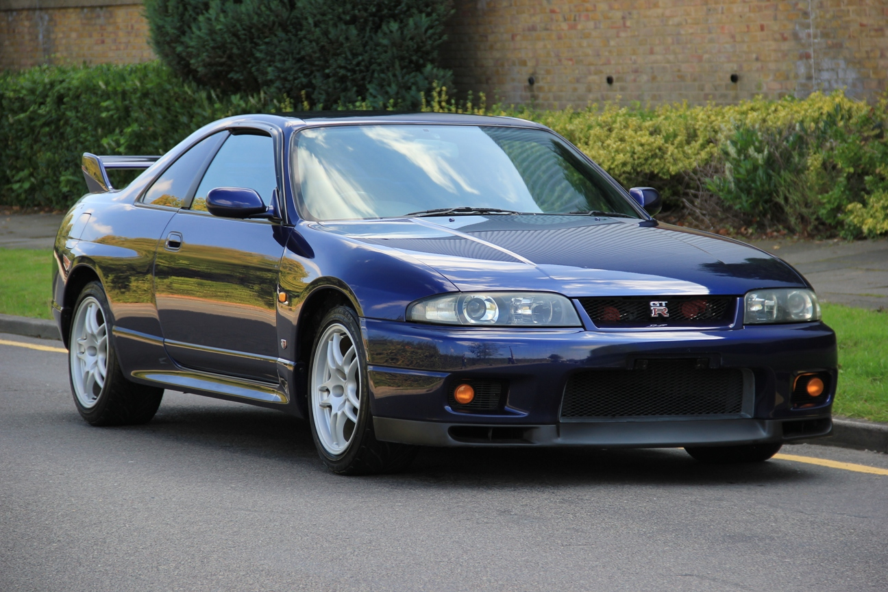 Buying A Nissan GT-R R33 - Complete Guide - Garage Dreams
